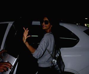Shilpa Shetty,Raj kundra spotted at airport