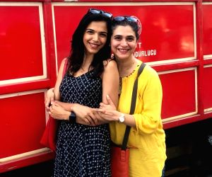 Shriya Pilgaonkar to ring in mom Supriya's birthday in Turkey