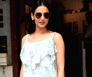 Sonal Chauhan seen at Mumbai's Juhu