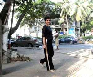 Actress Sonali Bendre seen in Mumbai's Juhu, on May 26, 2019.