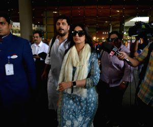 Blackbuck poaching case - Sonali Bendre and Goldie Behl returned to Mumbai