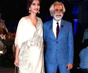 India Couture Week 2016 - Anamika Khanna