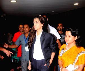 : Mumbai: Dia Mirza, Aishwarya Rai, Lara Dutta, Sonam Kapoor, Kangana Ranaut, Sushant Singh Rajput spotted at Airport