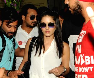 Sunny Leone arrives at airport