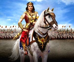 Did my own stunts for first look of 'Veeramadevi': Sunny Leone