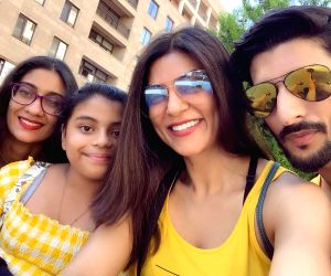 Sushmita Sen celebrates a perfect Valentine's Day with beau Rohman Shawl and daughters
