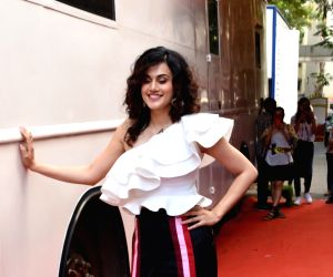"""Taapsee Pannu, Vicky Kaushal on the sets of """"Vogue BFFs Season 3"""""""