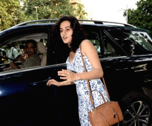 Taapsee Pannu seen at Juhu