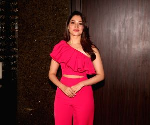 Tamannaah Bhatia: Go Awe-struck over her five off- shoulder style statements