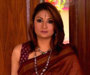 Urvashi as Komolika again! Albeit in positive avatar