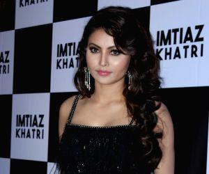 actress-urvashi-rautela-at-producer-imtiaz-khatri