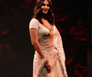 National Jewellery Awards 2017-  Vaani Kapoor