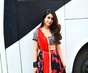 Aayush Sharma and Warina Hussain seen at Mehboob studio