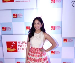 "Red carpet of ""The Walk of Mijwan"" - Yami Gautam"