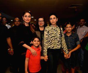 Karisma Kapoor, Kareena Kapoor Khan during the premier of a film