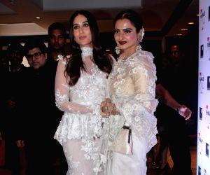 "Filmfare Glamour & Style Awards 2017"" - Rekha and Kareena Kapoor Khan"