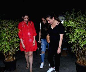 Bhawana Pandey, Neelam Kothari and Shabina Khan spotted at Bandra