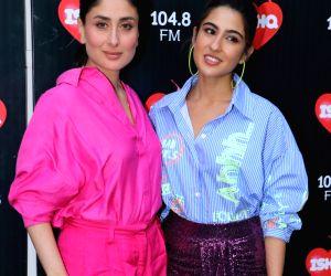 Sara Ali Khan and Kareena Kapoor seen at Mehboob studio