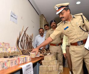 Police seize deer horns and demonetised currency notes