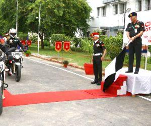 "Lt. Gen. Ashwani Kumar flags off the New Delhi leg of ""Bangalore to Drass Motorcycle Expedition"