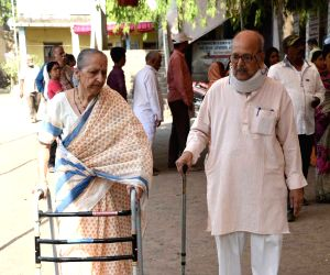 Senior citizens feel economic issues major concern for India