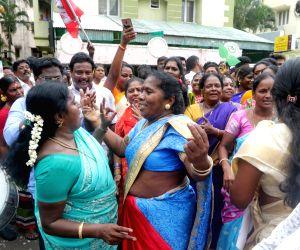 AIADMK in lead in Vikravandi and Nanguneri seats, party workers celebrate