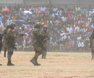 Dasara festival - Air Warriors demonstrate their skills