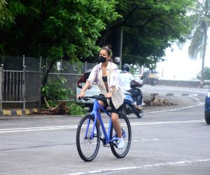 :  Aisha Sharma Spotted Riding Cycle On The Street In Bandra
