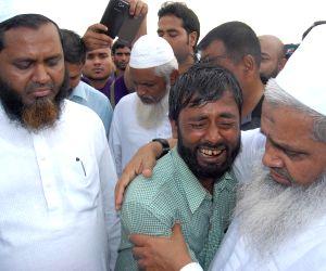 Badrudin Ajmal visits Narayanguri Relief Camp