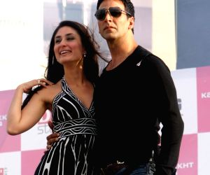 'Good Newwz' posters out: Akshay Kumar, Kareena Kapoor promise 'biggest goof-up of the year'