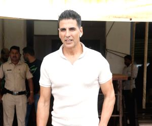 Akshay shoots with Kriti Sanon's sister for music video