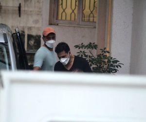 :    Akshay Kumar Spotted At Sunny Sound In Juhu