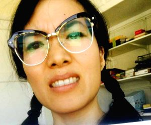 Ali Wong: VR is like weed, give it a try