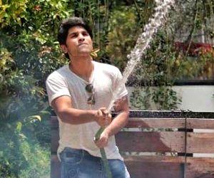 Free Photo: Allu Sirish's 'south Indian bachelor starter pack