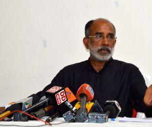 Alphons kicks off his Kannanthanam style of campaigning