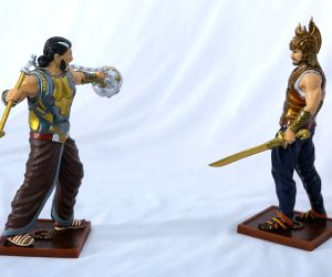 Amarendra Baahubali and Bhallaladeva figurines.