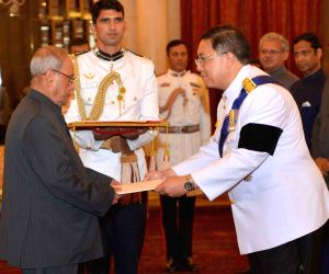 Ambassadors presents credentials to President Mukherjee