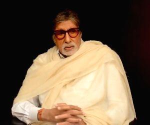 Akshay Kumar, Shah Rukh Khan and Amitabh Bachchan express their grief over Kerala plane crash tragedy