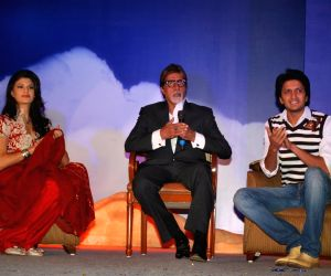 Amitabh Bachchan, Ritesh Deshmukh & Jacqeline Fernandes met the Aladin-Godrej Contest winners at a gala event held in Mumbai.
