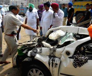Truck car collision - 3 people dead