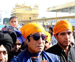 Shakti Kapoor visits Golden Temple