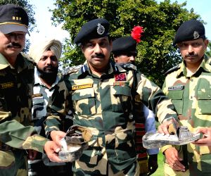 500 gm of heroin recovered from near Indo-Pak border