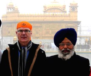 David Sproule pays obeisence at Golden Temple