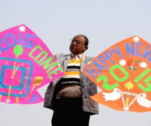 Jagmohan Kanojia welcomes 2015 with his kites