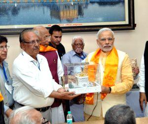 Modi visits Durgiana Temple