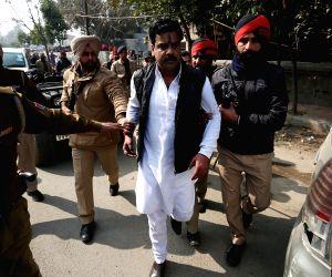 (120215) Amritsar: Shiv Sena - Damdami Taksaal clash