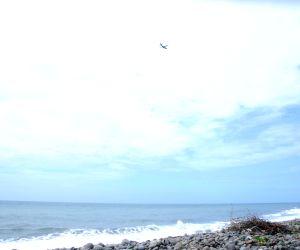 LA REUNION-SEARCH FOR MH370 DEBRIS-CONTINUE