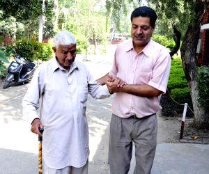 Pathankot (Punjab): Voting underway for Gurdaspur bypoll