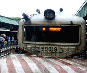 EMU hits platform buffer, derails partially