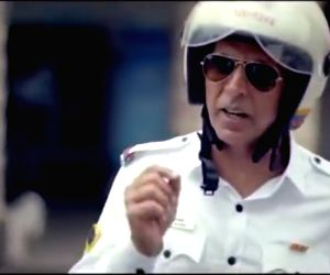 Funny Akshay Kumar clip o